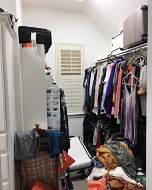 closet without enough shelves and hanging rods before renovation