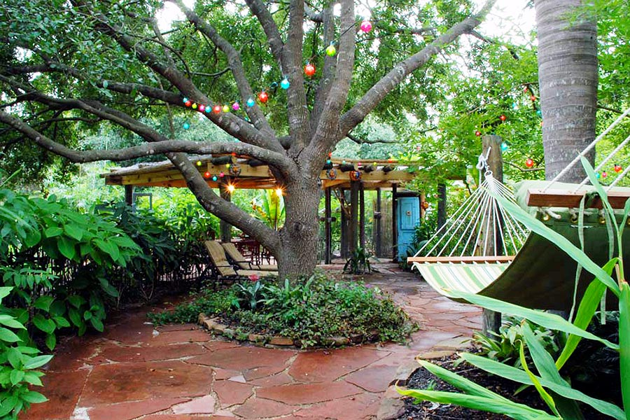 courtyard hammock has the view of the pergola